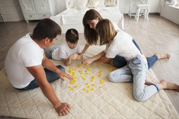juego de mesa scrabble para la familia